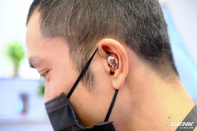 Trên tay đồng hồ Samsung Galaxy Watch 3 và tai nghe không dây chống ồn hạt đậu Galaxy Buds Live - Ảnh 9.