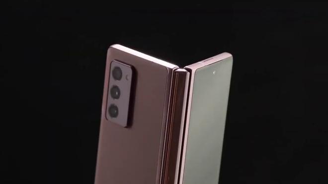 Galaxy Z Fold2 đã có video trên tay, xác nhận thiết kế mới lột xác - Ảnh 2.