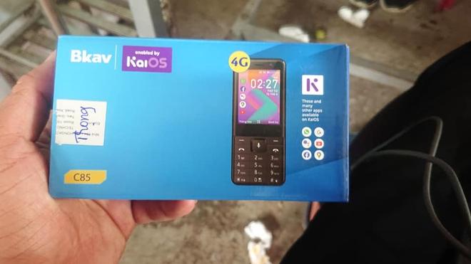 Điện thoại cơ bản của BKAV lộ diện: Chạy KaiOS, hỗ trợ 4G, sản xuất tại Trung Quốc - Ảnh 1.