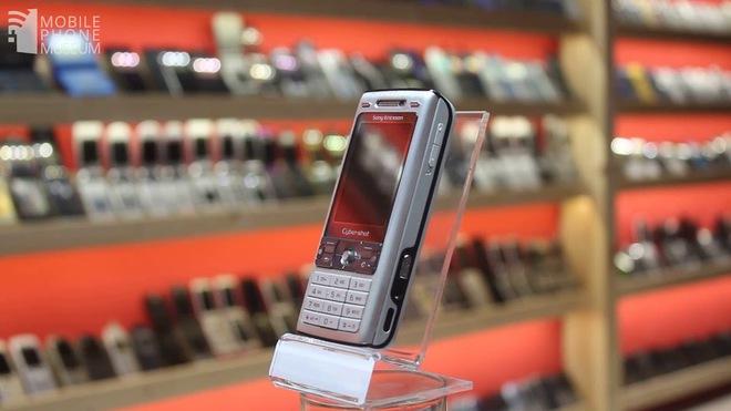 Nhìn lại Sony Ericsson K800: Chiếc điện thoại vừa ngầu vừa đa tài, bằng chứng cho một thời huy hoàng của Sony Ericsson - Ảnh 8.