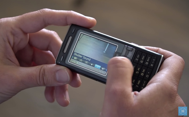Nhìn lại Sony Ericsson K800: Chiếc điện thoại vừa ngầu vừa đa tài, bằng chứng cho một thời huy hoàng của Sony Ericsson - Ảnh 3.