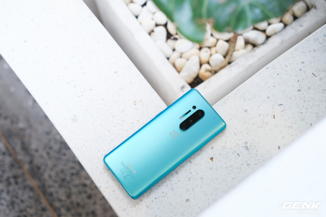 Cận cảnh OnePlus 8 Pro 5G: Thiết kế đẹp, trang bị Snapdragon 865, màn hình 120Hz chạy cùng độ phân giải QHD+, camera có filter Photochrom rất hay - Ảnh 5.