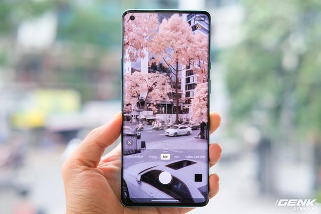 Cận cảnh OnePlus 8 Pro 5G: Thiết kế đẹp, trang bị Snapdragon 865, màn hình 120Hz chạy cùng độ phân giải QHD+, camera có filter Photochrom rất hay - Ảnh 11.