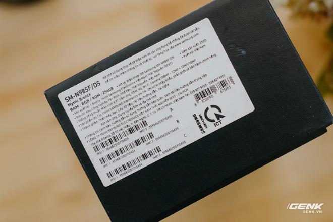 Mở hộp Galaxy Note20 Ultra chính hãng giá 30 triệu đồng - Ảnh 2.