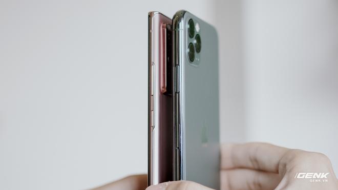 So sánh nhanh Galaxy Note20 Ultra với iPhone 11 Pro Max: Một chín một mười? - Ảnh 4.