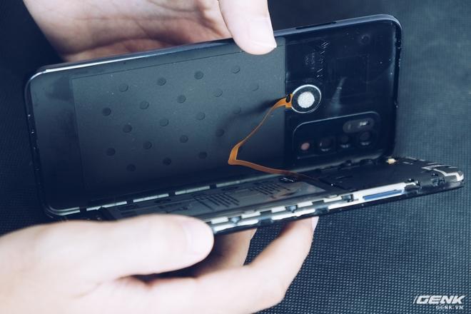 Mổ bụng Vsmart Live 4: Smartphone 4 triệu Make in Vietnam của VinSmart có gì đặc biệt? - Ảnh 4.