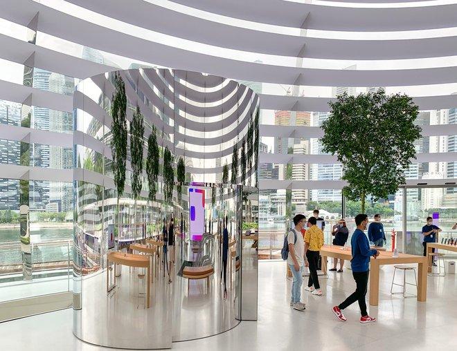 Tham quan Apple Store hình cầu nổi trên mặt nước vừa mới được khai trương tại Singapore - Ảnh 11.