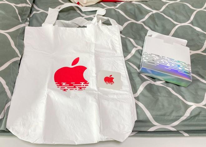 Tham quan Apple Store hình cầu nổi trên mặt nước vừa mới được khai trương tại Singapore - Ảnh 13.