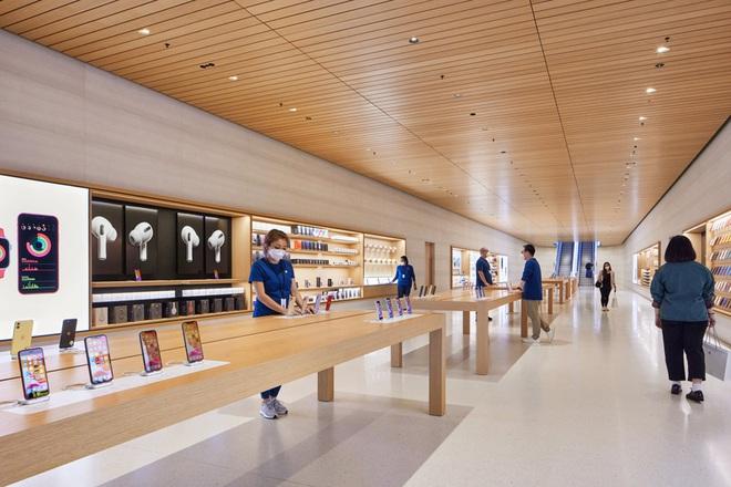 Tham quan Apple Store hình cầu nổi trên mặt nước vừa mới được khai trương tại Singapore - Ảnh 3.