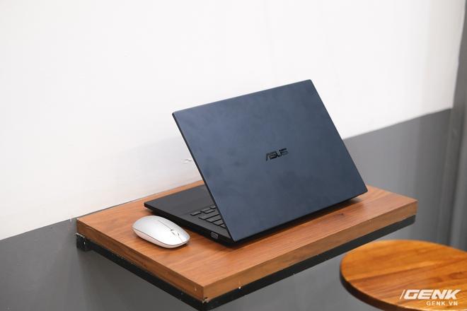Cận cảnh ASUS ExpertBook P2: Bản laptop doanh nhân giá mềm của B9, chạy Core i thế hệ 10, độ bền chuẩn quân đội, pin 13 tiếng - Ảnh 1.