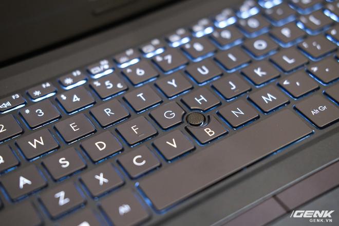 Cận cảnh ASUS ExpertBook P2: Bản laptop doanh nhân giá mềm của B9, chạy Core i thế hệ 10, độ bền chuẩn quân đội, pin 13 tiếng - Ảnh 7.