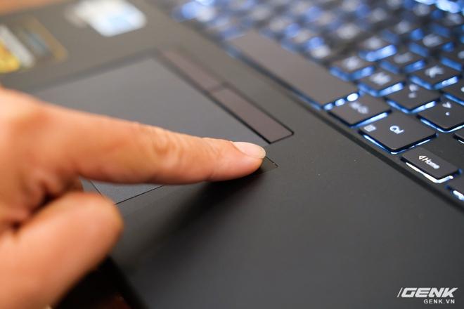 Cận cảnh ASUS ExpertBook P2: Bản laptop doanh nhân giá mềm của B9, chạy Core i thế hệ 10, độ bền chuẩn quân đội, pin 13 tiếng - Ảnh 9.