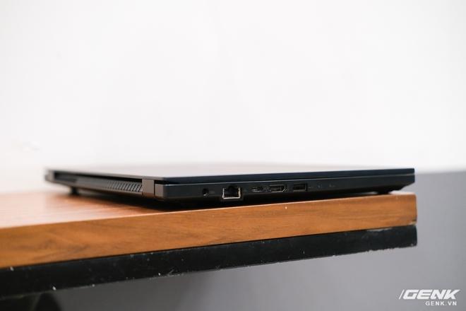 Cận cảnh ASUS ExpertBook P2: Bản laptop doanh nhân giá mềm của B9, chạy Core i thế hệ 10, độ bền chuẩn quân đội, pin 13 tiếng - Ảnh 11.