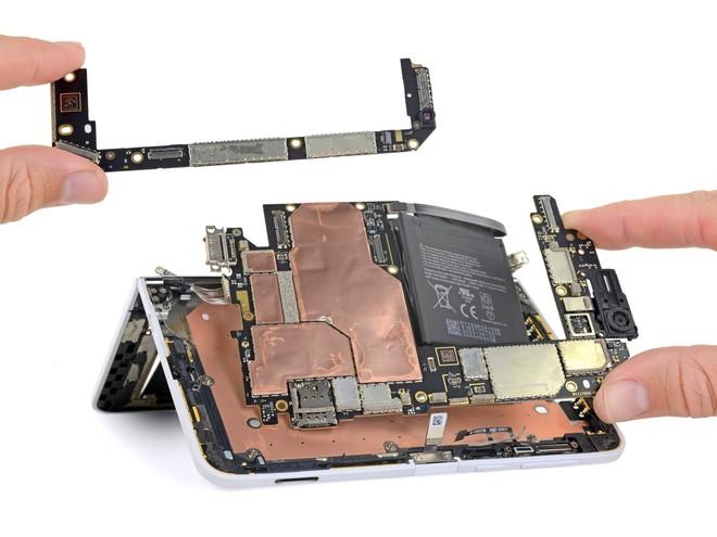 Surface Duo chỉ có hai bộ phận dễ sửa chữa: màn hình và mặt lưng - Ảnh 5.