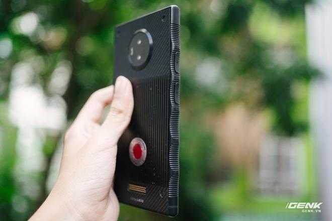 Từng có giá ngàn đô, smartphone siêu quay phim về VN với giá chưa đến 6 triệu đồng - Ảnh 5.