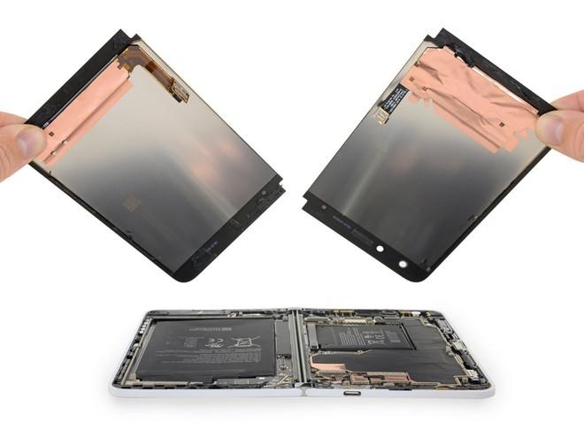 Surface Duo chỉ có hai bộ phận dễ sửa chữa: màn hình và mặt lưng - Ảnh 2.