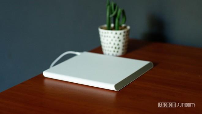 Đế sạc không dây với cuộn cảm di chuyển của Xiaomi: thực sự hữu dụng hay chiêu trò quảng cáo - Ảnh 1.