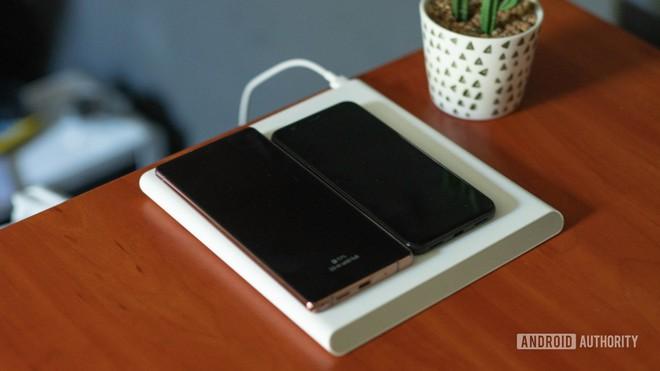 Đế sạc không dây với cuộn cảm di chuyển của Xiaomi: thực sự hữu dụng hay chiêu trò quảng cáo - Ảnh 3.