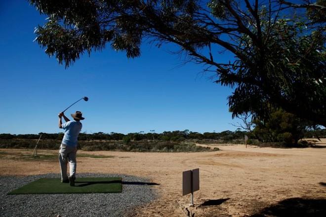 Sân golf dài nhất thế giới, phải mất khoảng 5 ngày để có thể hoàn thành một vòng golf - Ảnh 1.
