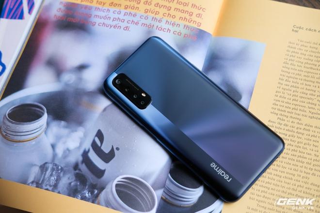 Cận cảnh Realme 7: Smartphone đầu tiên trên thế giới chạy Helio G95, trang bị 4 camera cảm biến Sony, màn 90Hz, sạc nhanh 30W, sẽ có giá chính thức tại Việt Nam vào ngày 21/9 - Ảnh 4.