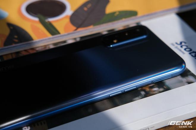 Cận cảnh Realme 7: Smartphone đầu tiên trên thế giới chạy Helio G95, trang bị 4 camera cảm biến Sony, màn 90Hz, sạc nhanh 30W, sẽ có giá chính thức tại Việt Nam vào ngày 21/9 - Ảnh 7.