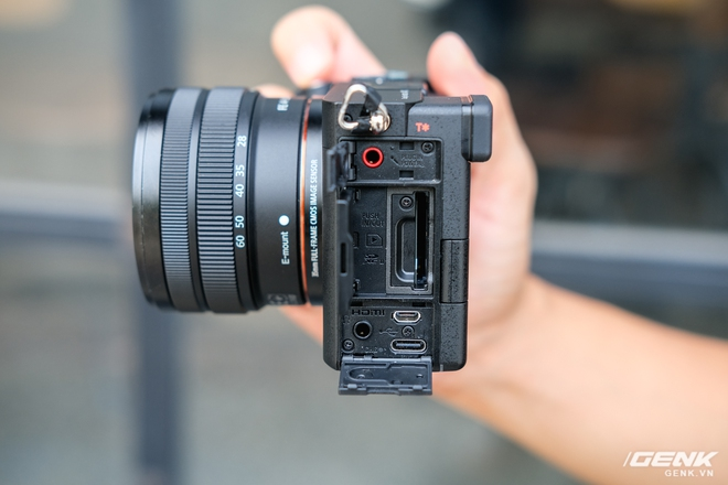 Trên tay chiếc máy ảnh Full Frame nhỏ nhất của Sony tại Việt Nam: Đẹp, nhẹ và mạnh mẽ - Ảnh 11.