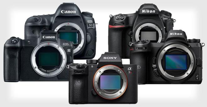 Số lượng máy ảnh bán ra trong 2019: Canon dẫn đầu DSLR, Sony vẫn khẳng định vị thế với Mirrorless - Ảnh 1.