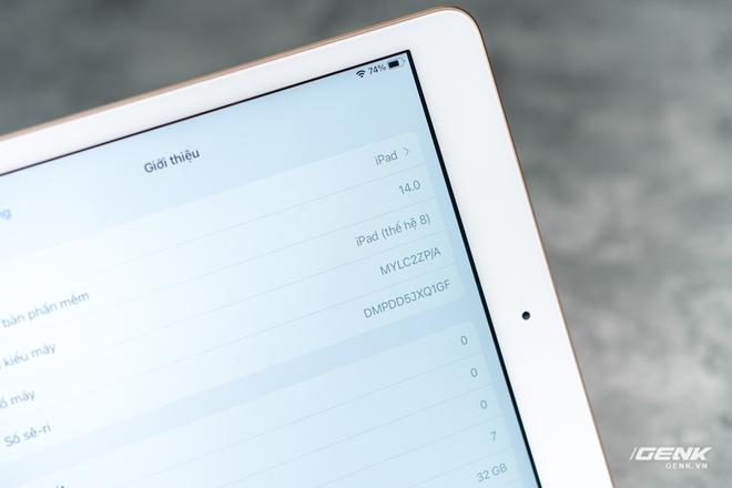 Trên tay iPad 8 tại VN: Chip A12 Bionic và sạc nhanh vớt vát thiết kế nhàm chán - Ảnh 8.