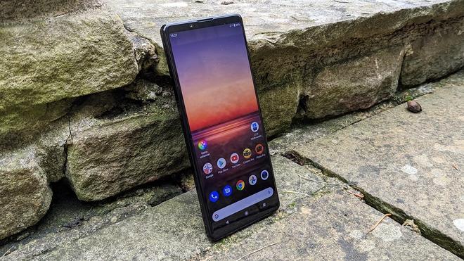 Nhìn vào Xiaomi và Sony trong mùa dịch, bạn sẽ thấy hướng đi tất yếu của smartphone trong tương lai - Ảnh 2.