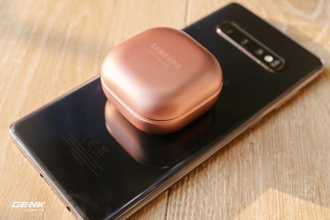 Đánh giá tai nghe hạt đậu Samsung Galaxy Buds Live: Sự thiếu hoàn hảo có cá tính - Ảnh 3.