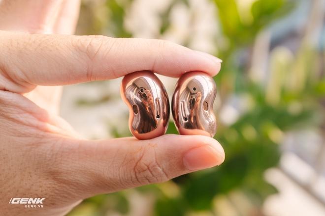 Đánh giá tai nghe hạt đậu Samsung Galaxy Buds Live: Sự thiếu hoàn hảo có cá tính - Ảnh 13.
