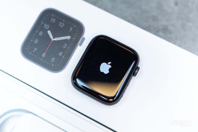 Trên tay Apple Watch SE: Apple Watch giá rẻ liệu có thực sự rẻ? - Ảnh 5.