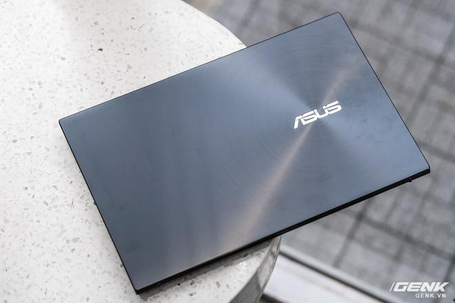Cận cảnh và trải nghiệm chiếc laptop 14 inch chạy Ryzen Mobile 4000 Series mỏng nhất thế giới đến từ đội ASUS - Ảnh 4.