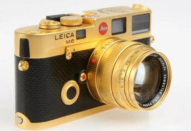 Ngắm Leica M6 bản mạ vàng siêu hiếm, giá lên tới gần 30 ngàn USD của hoàng gia Brunei - Ảnh 1.