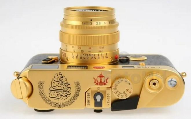 Ngắm Leica M6 bản mạ vàng siêu hiếm, giá lên tới gần 30 ngàn USD của hoàng gia Brunei - Ảnh 4.