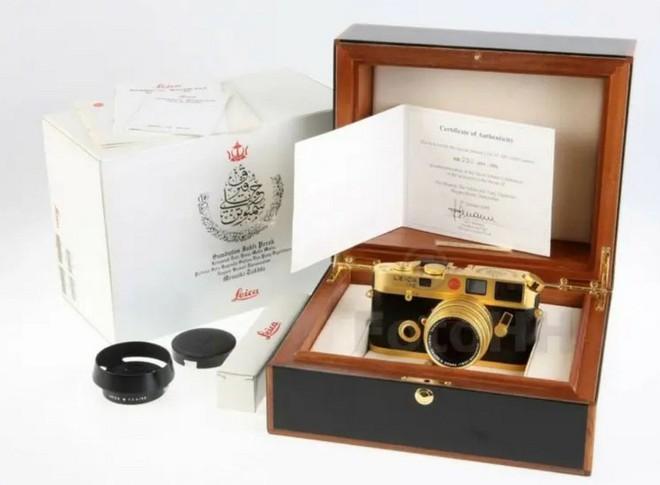 Ngắm Leica M6 bản mạ vàng siêu hiếm, giá lên tới gần 30 ngàn USD của hoàng gia Brunei - Ảnh 7.
