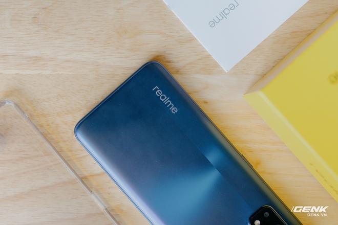 Mở hộp Realme 7 Pro: Smartphone có sạc nhanh nhất phân khúc tầm trung - Ảnh 5.