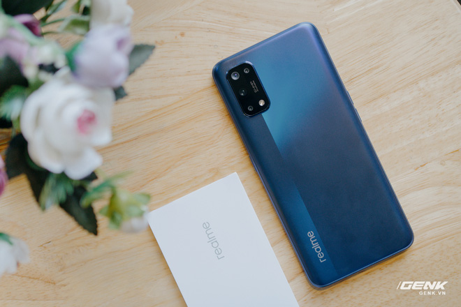 Mở hộp Realme 7 Pro: Smartphone có sạc nhanh nhất phân khúc tầm trung - Ảnh 3.