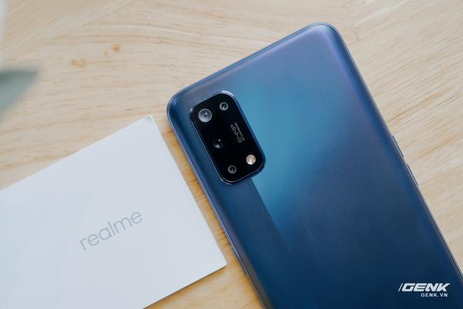 Mở hộp Realme 7 Pro: Smartphone có sạc nhanh nhất phân khúc tầm trung - Ảnh 4.