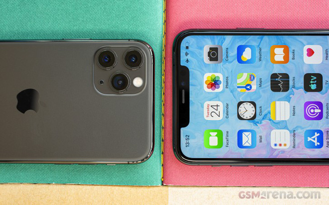 Galaxy Z Fold 2 giá 50 triệu vẫn bán hết 1000 máy ở Việt Nam, Samsung đã tìm ra cách khắc chế Apple? - Ảnh 1.