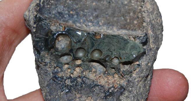 Từ 1.000 năm trước, thợ rèn Ba Tư cổ đại đã tạo ra phiên bản đầu tiên của thép không gỉ - Ảnh 2.