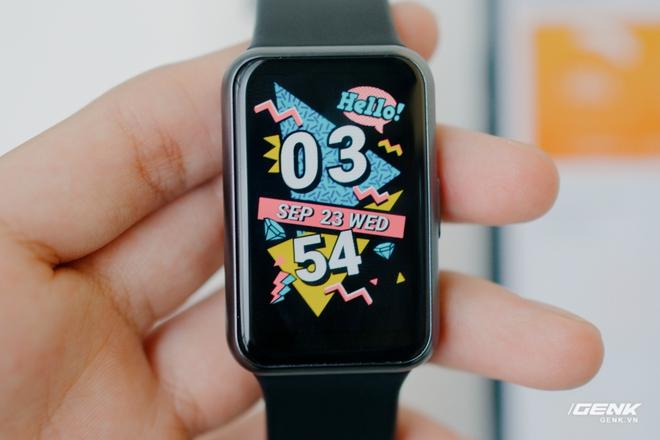 Trên tay Huawei Watch Fit: Smartwatch giá rẻ có đo nồng độ oxy trong máu - Ảnh 1.