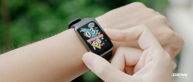 Trên tay Huawei Watch Fit: Smartwatch giá rẻ có đo nồng độ oxy trong máu - Ảnh 11.