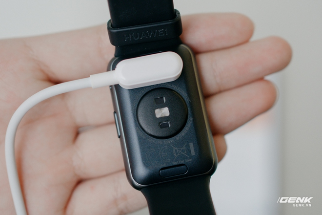 Trên tay Huawei Watch Fit: Smartwatch giá rẻ có đo nồng độ oxy trong máu - Ảnh 5.