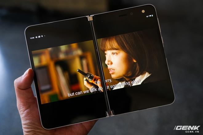 Samsung Galaxy Z Fold2 vs. Microsoft Surface Duo: Cuộc chiến giữa hai gã smartphone dị biệt - Ảnh 16.