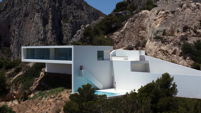 Nhìn ngắm 8 tuyệt tác kiến trúc chơi vơi nơi cảnh vắng - Ảnh 3.