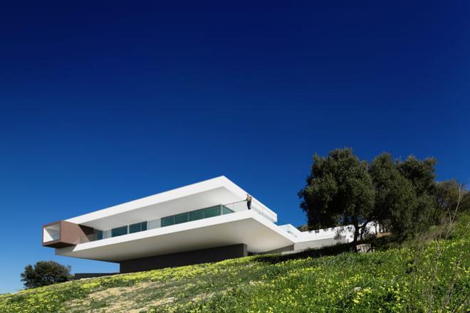 Nhìn ngắm 8 tuyệt tác kiến trúc chơi vơi nơi cảnh vắng - Ảnh 5.
