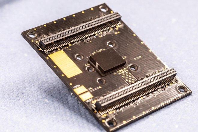 Đã phát minh ra cảm biến ô nhiễm không khí nhỏ nhất thế giới, có thể đặt gọn trong smartphone - Ảnh 2.