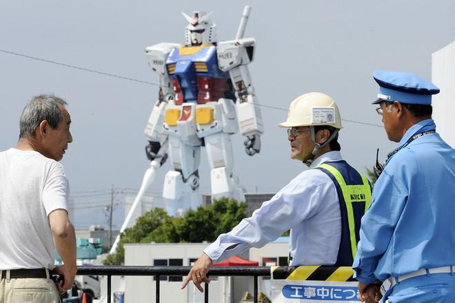 Nhật Bản thử nghiệm thành công robot Gundam cao 18m có thể di chuyển và cử động như người - Ảnh 2.