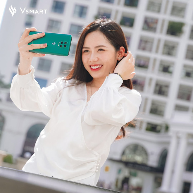 Ảnh selfie chụp bằng smartphone Vsmart với camera ẩn dưới màn hình - Ảnh 6.